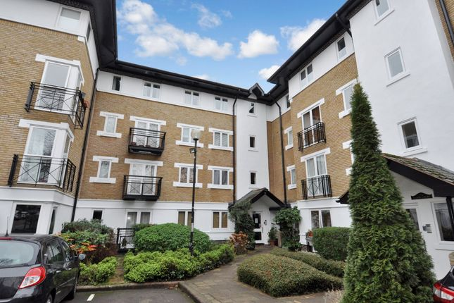 Thumbnail Flat for sale in Makepeace Road, London