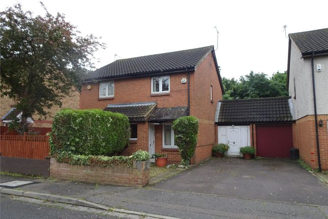 Thumbnail Semi-detached house to rent in Abbotswood Waye, Hayes, Middlesex