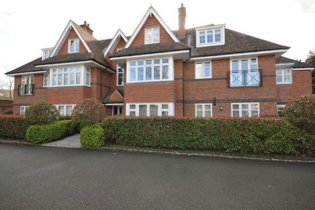 Thumbnail Flat to rent in 54 Waverley Lane, Farnham