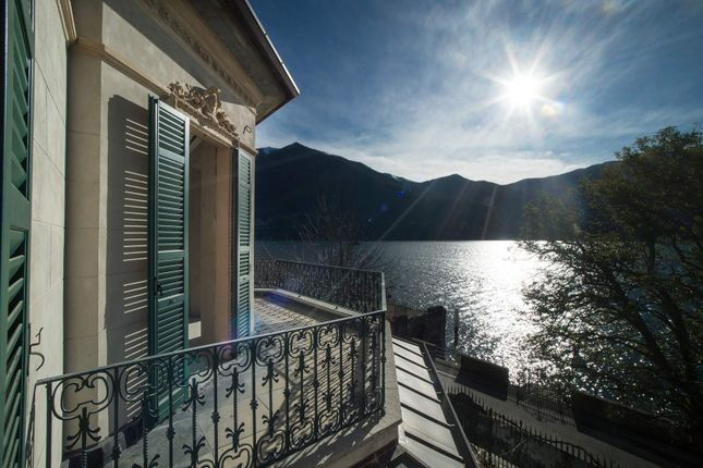 Thumbnail Town house for sale in Via Regina, Carate Urio Co, Italy