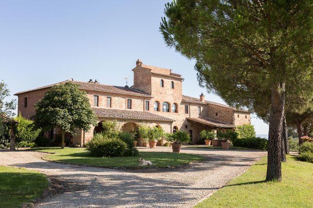 Thumbnail Villa for sale in Torrita di Siena, Torrita di Siena, Tuscany, Italy