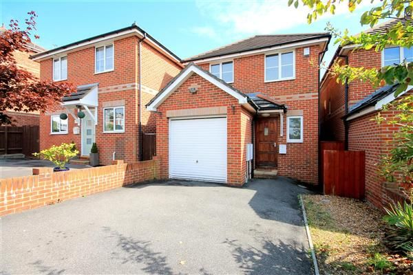 Thumbnail Detached house to rent in Florence Road, Parkstone, Poole