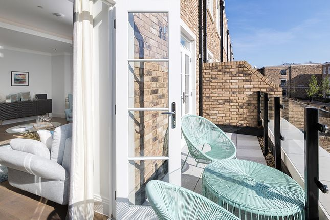 Thumbnail Town house for sale in Palladian Gardens, Burlington Lane, Chiswick, London
