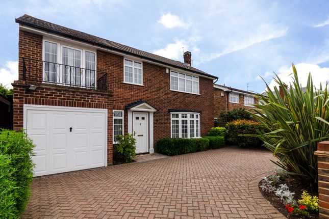 Thumbnail Detached house for sale in Knoll Road, Bexley