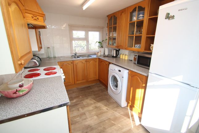 Thumbnail Mobile/park home for sale in The Close, Dome Caravan Park, Lower Road, Hockley