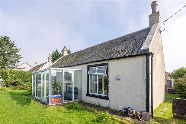 Thumbnail Detached bungalow for sale in Main Street, California, Falkirk
