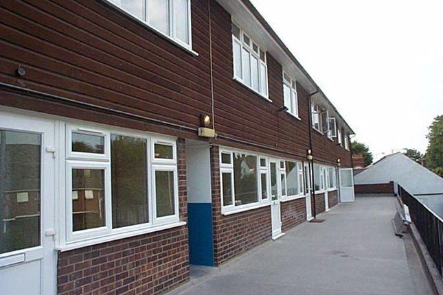 Thumbnail Flat to rent in The White Hart Parade, London Road, Riverhead, Sevenoaks