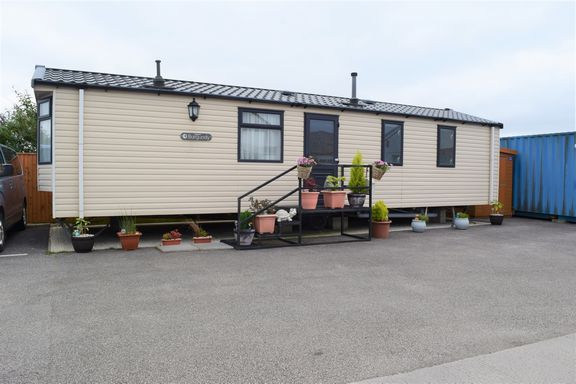 Thumbnail Mobile/park home to rent in Dolcoath Industrial Park, Dolcoath Road, Camborne