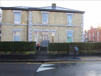 Office to let in First Floor Offices, 93 Broomspring Lane, Broomhall, Sheffield