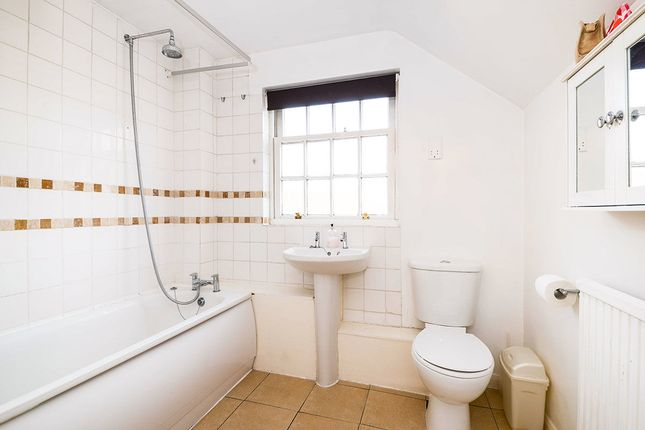 Thumbnail Flat for sale in Marlborough Road, St. Albans