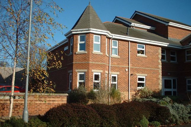 Thumbnail Flat to rent in Barrowby View, Garforth, Leeds