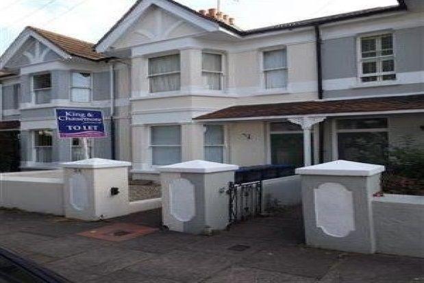 Thumbnail Flat to rent in Ashdown Road, Broadwater, Worthing