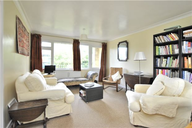 2 bed flat for sale in Hamilton House, Lansdown Road, Bath, Somerset