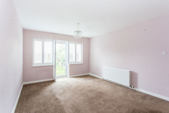 Thumbnail Terraced house for sale in Fullers Road, South Woodford