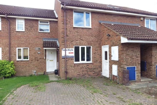 Thumbnail Flat to rent in Oaktree Crescent, Bradley Stoke, Bristol