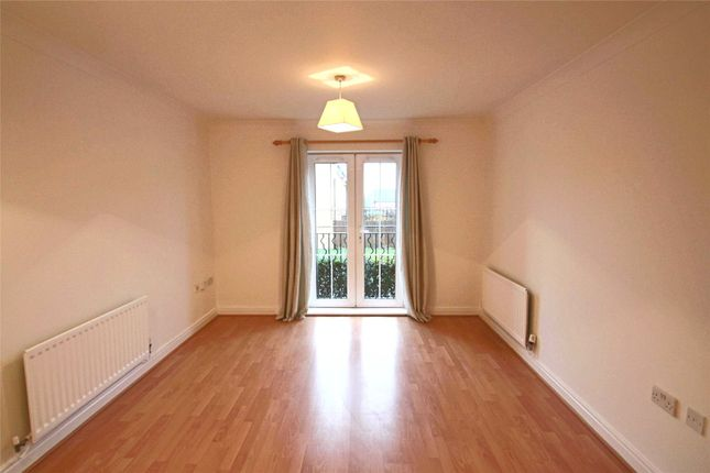 Thumbnail Flat to rent in Honiton Gardens, Mill Hill East, London