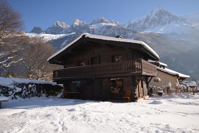 3 bed chalet for sale in Chamonix, France
