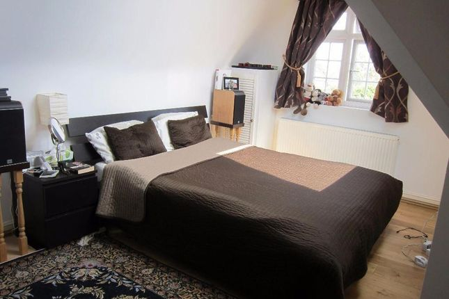 Thumbnail Flat to rent in Gunnersbury Avenue, London