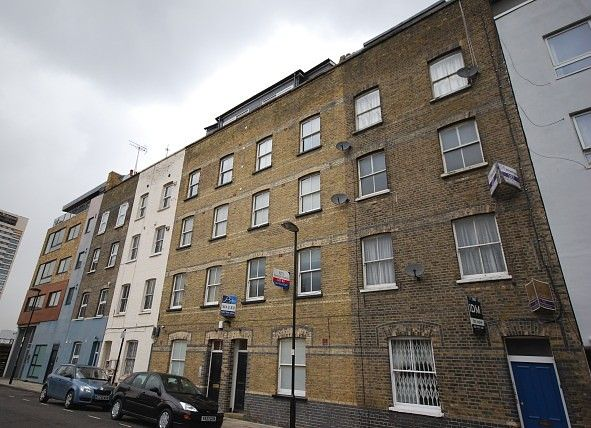 Studio to rent in Rufford Street, London