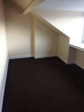 4 bed end terrace house to rent in Alexandra, Doncaster
