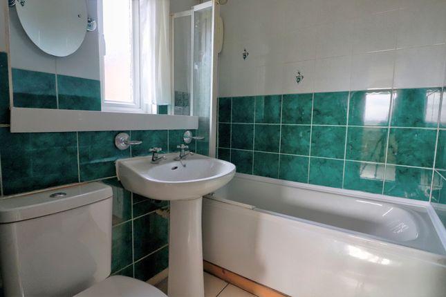 Bathroom of Cairnfore Avenue, Troon KA10