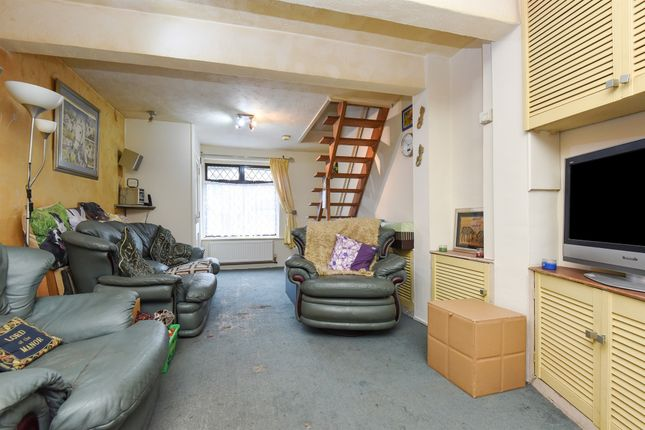 End terrace house for sale in Sussex Road, South Croydon