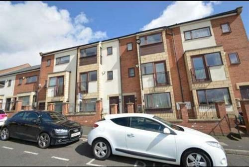 Thumbnail Room to rent in Sungold Villas, Beech Street, Newcastle Upon Tyne
