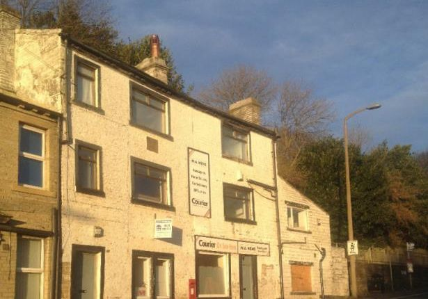 Property for sale in Keighley Road, Halifax