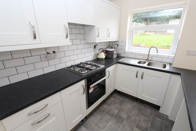 Thumbnail Semi-detached house to rent in Hawfinch, Wilnecote, Tamworth