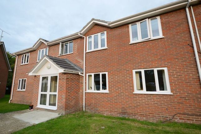 Thumbnail Flat to rent in Thornfield Green, Blackwater, Camberley
