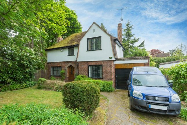 Thumbnail Detached house to rent in Fairfield Lane, Farnham Royal, Buckinghamshire