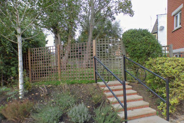 Communal Garden of Argent Court, Leicester Road EN5