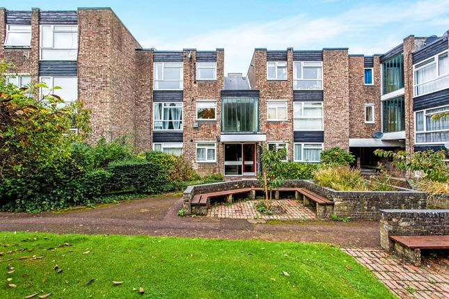 Thumbnail Flat for sale in Showfields Road, Tunbridge Wells