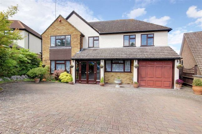 Thumbnail 5 bedroom detached house for sale in Warwick Avenue, Cuffley, Hertfordshire