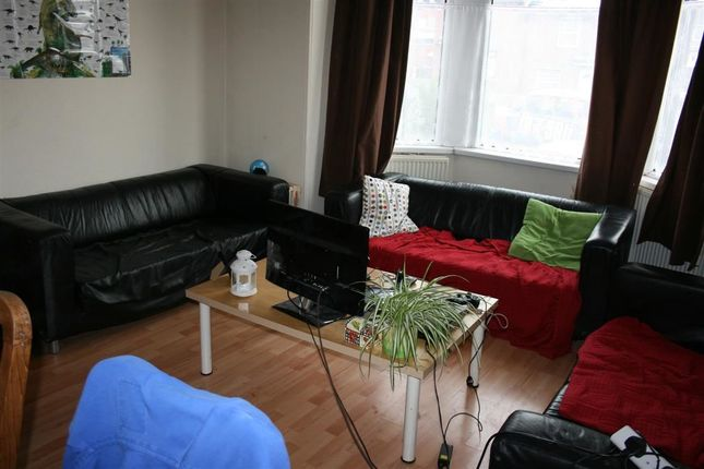Thumbnail Property to rent in Haddon Road, Burley, Leeds