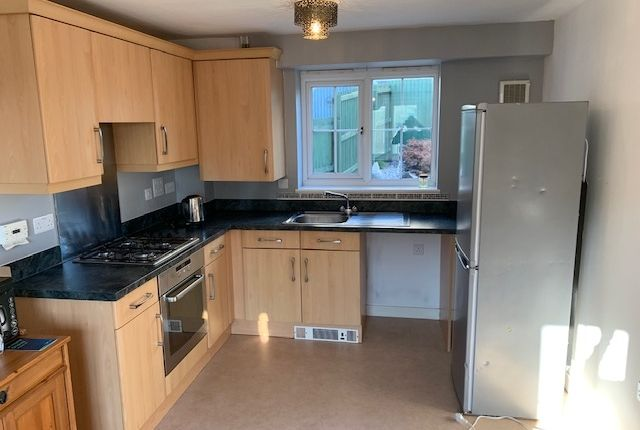 Thumbnail Semi-detached house to rent in Clos Celyn, Barry