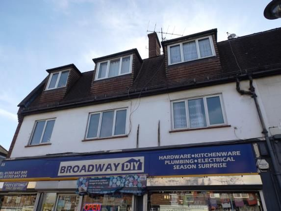 2 bed flat for sale in The Broadway, Darkes Lane, Potters Bar, Hertfordshire