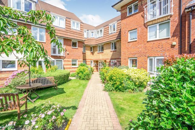 Thumbnail Flat for sale in Plymyard Avenue, Bromborough, Wirral