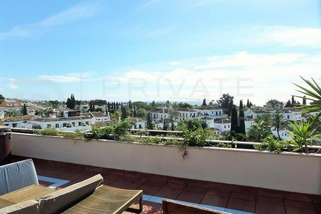 2 bed apartment for sale in Marbella, Málaga, Spain