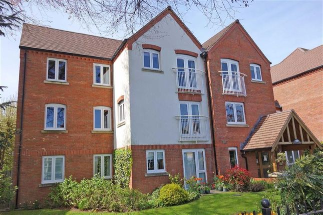 Thumbnail Flat for sale in Montes Court, Earlsdon, Coventry