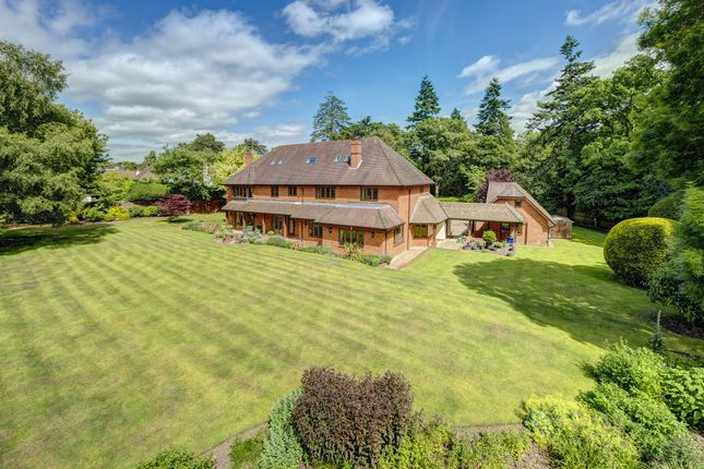 Thumbnail Detached house to rent in Grimms Hill, Great Missenden