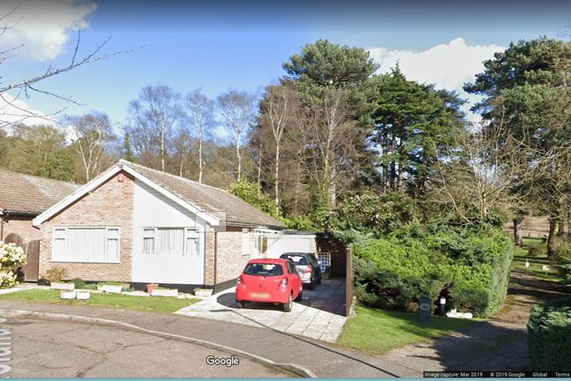 Thumbnail Bungalow for sale in Lakeland Close, Harrow, Middx