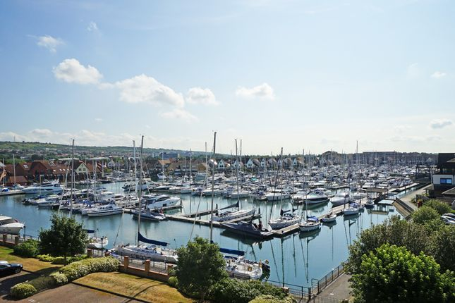 2 bed flat to rent in Lock Approach, Port Solent, Portsmouth PO6