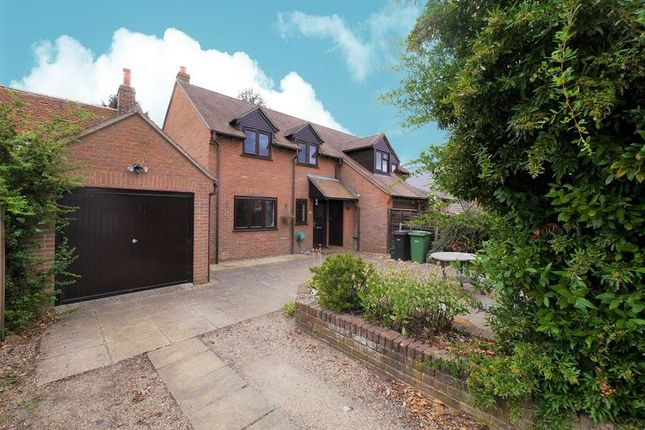 Thumbnail Semi-detached house to rent in Littleworth Road, Benson, Wallingford