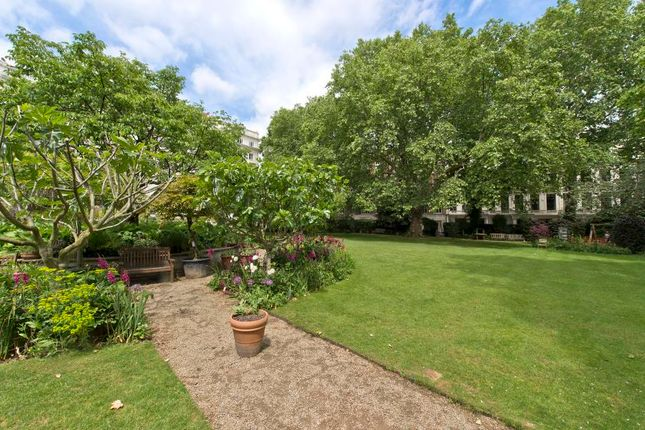 Thumbnail Flat for sale in Cleveland Square, Bayswater