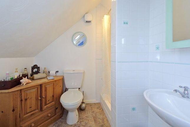 En Suite of Tregarth Road, Chichester PO19