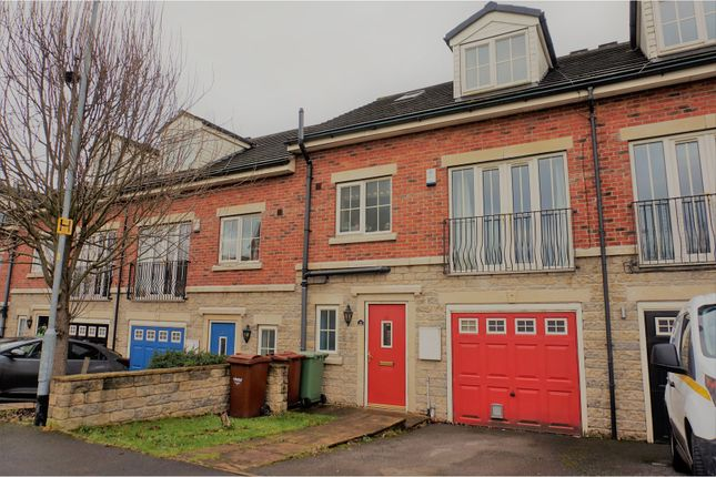 Thumbnail Town house for sale in Meadowfield Rise, Wakefield