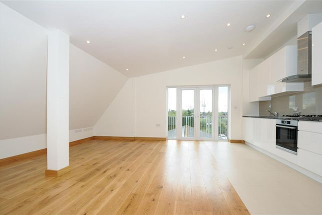 Thumbnail Flat to rent in Laleham Road, Staines