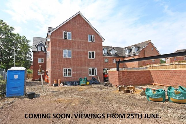 2 bed flat to rent in Middle Road, Park Gate, Southampton SO31