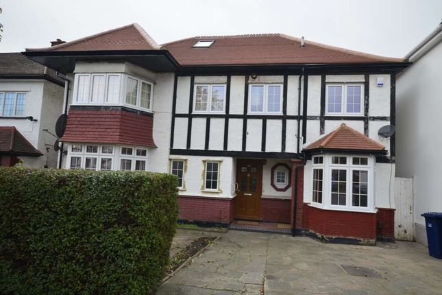 Thumbnail Flat to rent in Crespigny Road, London